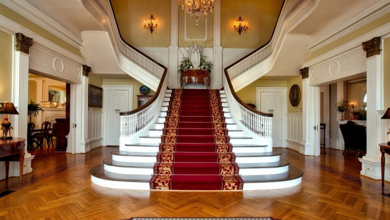 How to Replace Carpets on Your Staircase