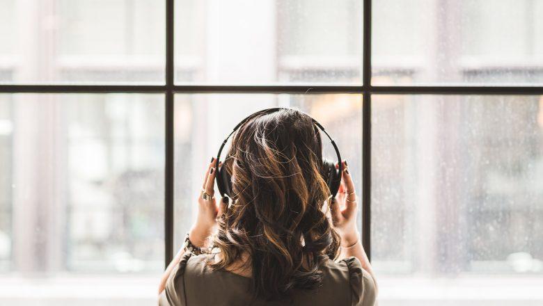 Do Noise canceling Headphones Improve Work Productivity?