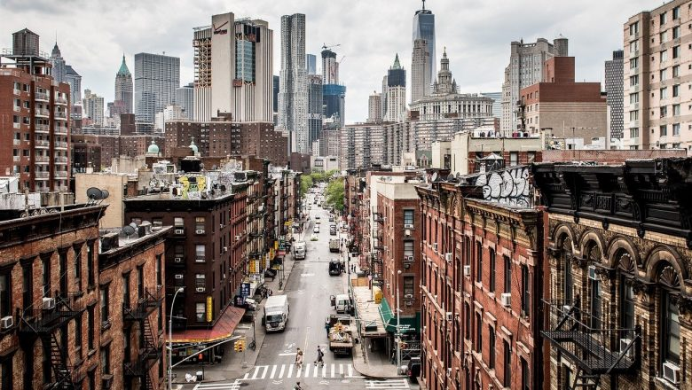 Pros and Cons of Living in a City