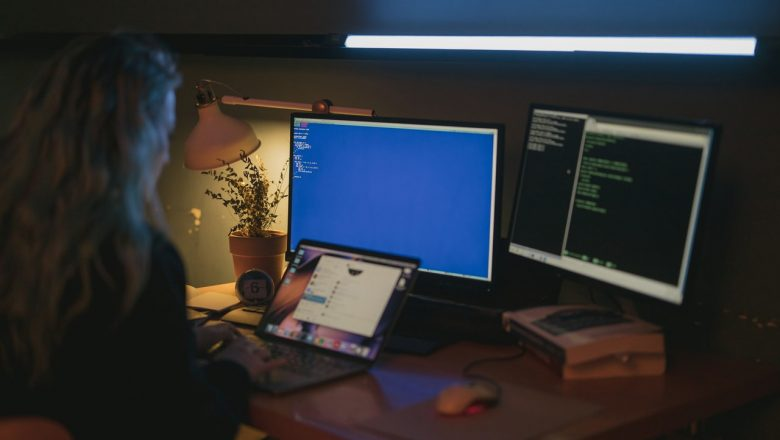 How to Keep Your Customer Data Secure When Working With Independent Contractors and Remote Employees